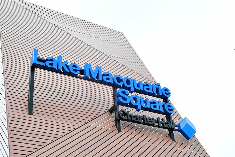 Port-Mac-Building-signs